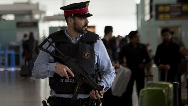 Ваэропорту Барселоны задержаны китайцы с1млневро вмусорных мешках