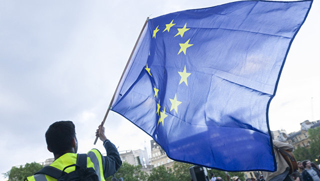 Комитет Европарламента одобрил отмену виз для Киева