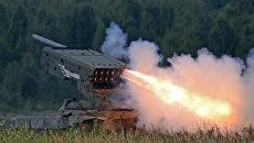 Тяжёлая огнемётная система залпового огня на базе танка Т-72 ТОС-1 Буратино. Архивное фото