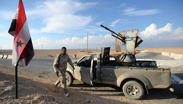 Бойцы движения Хезболлах на передовых позициях Сирийской Арабской Армии (САА), архивное фото.