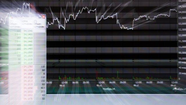 Экран в офисе московской биржи ММВБ-РТС. Архивное фото