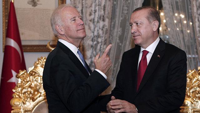 Вице-президент США Джозеф Байден и президент Турции Тайип Эрдоган. Архивное фото
