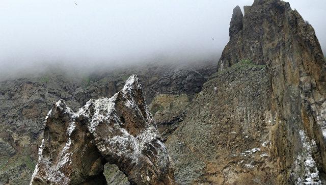 Вид на скалы Карадагского заповедника со стороны моря. Архивное фото