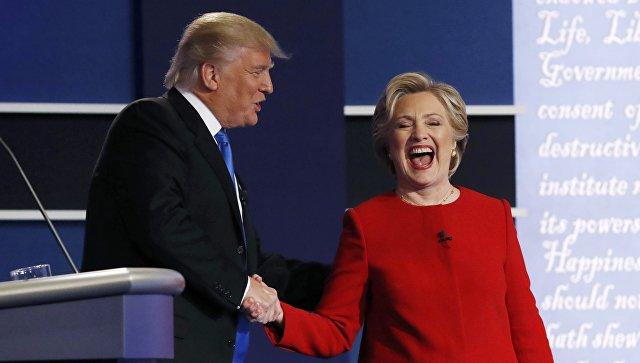 Кандидаты в президенты США Хиллари Клинтон и Дональд Трамп во время дебатов. Архивное фото