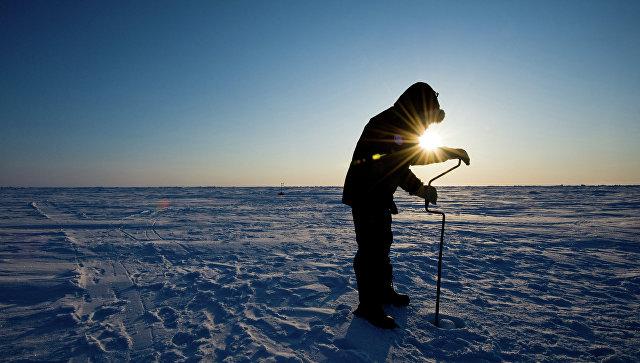 Ученый на Северном Полюсе, архивное фото