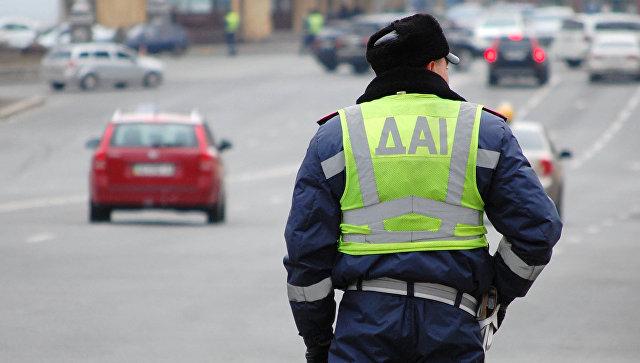 Сотрудник ГАИ на Украине. Архивное фото