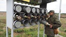 Военнослужащий танковых подразделений мотострелкового соединения Южного военного округа во время полевых занятий. Архивное фото