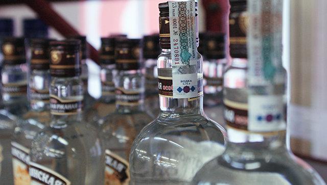 Эксперт: писать о вреде употребления водки на бутылке бессмысленно