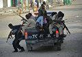 Полиция Сомали патрулирует одну из улиц Могадишо. Архивное фото