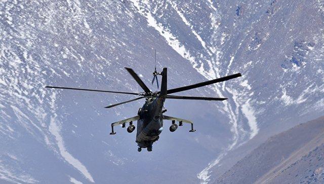 Русские военные летчики провели учения вгорах Таджикистана