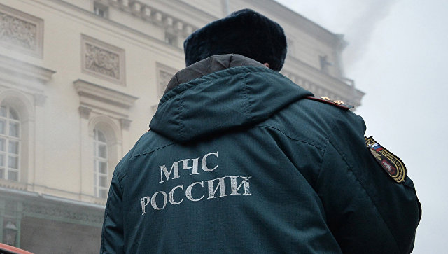 Сотрудник МЧС России. Архивное фото
