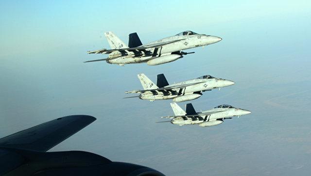 Самолеты ВВС США в небе над Ираком, архивное фото
