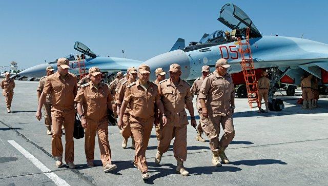 Министр обороны России Сергей Шойгу на авиабазе Хмеймим, Сирия. Архивное фото
