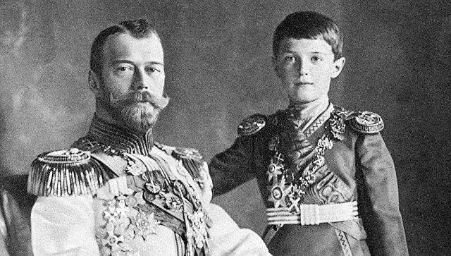 Император Николай II с сыном царевичем Алексеем