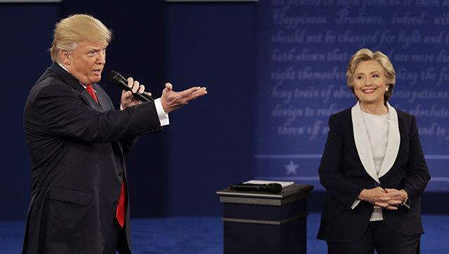 Дональд Трамп и Хиллари Клинтон во время предвыборных дебатов. Архивное фото