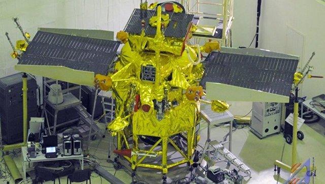Межпланетная станция Фобос-Грунт перед отправкой на космодром