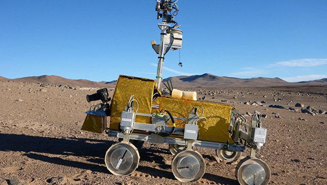 Прототип европейского марсохода, который планируется запустить в 2018 году в рамках проекта ЭкзоМарс, проходит испытания в Чили