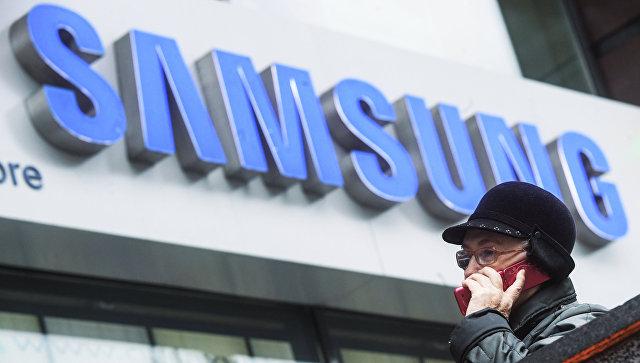 Фирменный магазин Samsung. Архивное фото