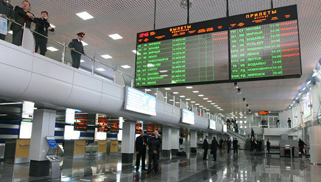 Реконструированный аэровокзал внутренних авиалиний в Иркутске