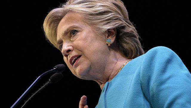 Полуголая фигура Хиллари Клинтон вНью-Йорке испугала прохожих