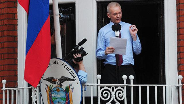Австралийский интернет-журналист и телеведущий, основатель WikiLeaks Джулиан Ассанж. Архивное фото