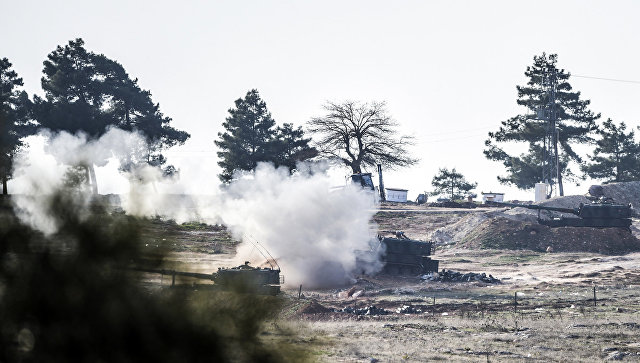 Позиция турецких военных на границе Турции и Сирии. Архивное фото