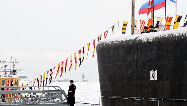 Поднятие флага на АПЛ Юрий Долгорукий