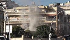 Террористы открыли огонь по уходящим из Алеппо жителям. Кадры с места обстрела