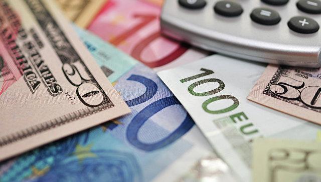 Иностранная валюта. Архивное фото