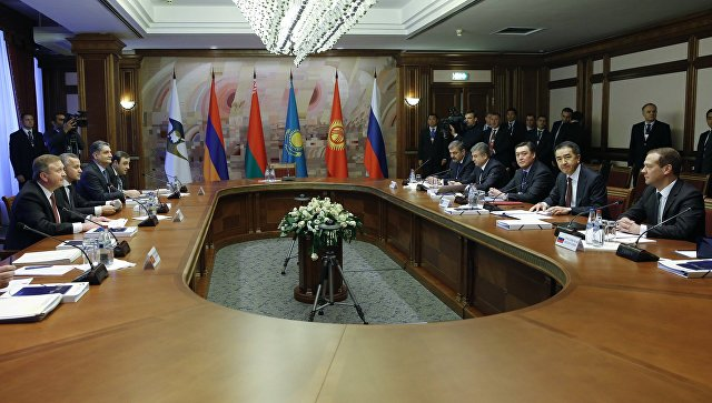 Жээнбеков прибыл вМинск на совещания глав правительств ЕАЭС иСНГ
