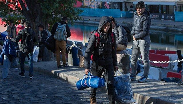 СМИ: Парижанки массово жалуются на домогательства мигрантов