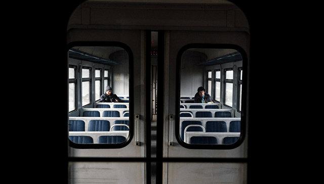 Электропоезд столкнулся сгрузовым автомобилем вПодмосковье