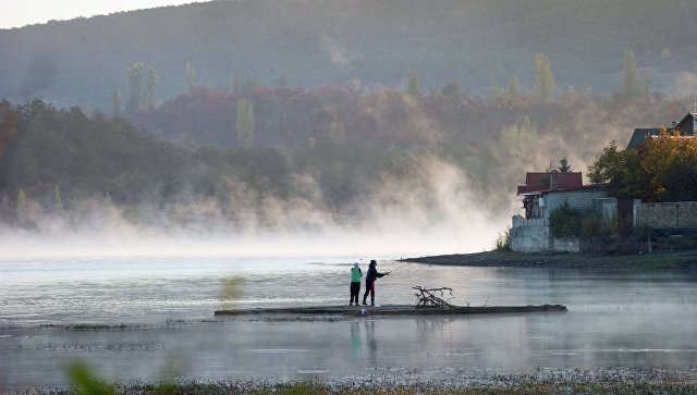 На симферопольском водохранилище в Крыму. Архивное фото