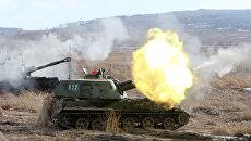 Самоходная артиллерийская установка 2С3 Акация на учениях артиллерийских подразделений. Архивное фото