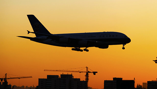 Почти 650 рейсов отменены и еще 129 задержаны в аэропорту Пекина из-за непогоды
