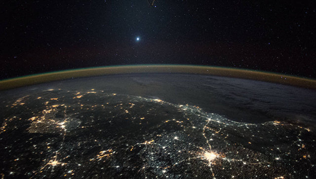 Фотография Венеры с борта МКС. Архивное фото