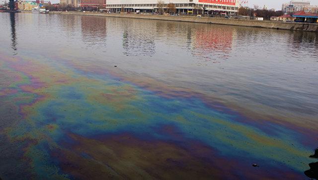 Загрязнение реки. Архивное фото