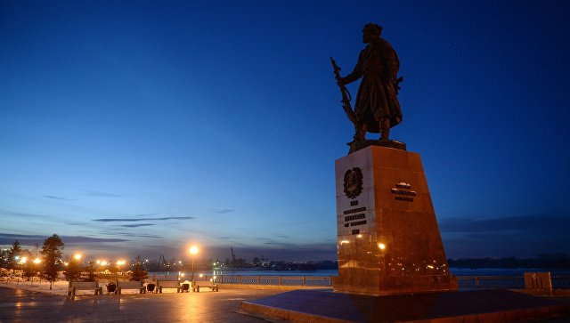 Памятник основателю Иркутска Якову Похабову. Архивное фото