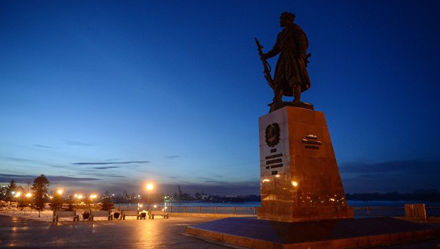 В Иркутске прохожий обнаружил ребенка в пижаме на улице ночью в мороз