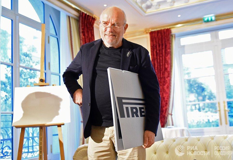 Немецкий фэшн-фотограф Петер Линдберг во время интервью перед презентацией календаря Pirelli 2017