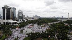 Акция протеста против губернатора Басуки Чахая Пурнамы в Джакарте, Индонезия