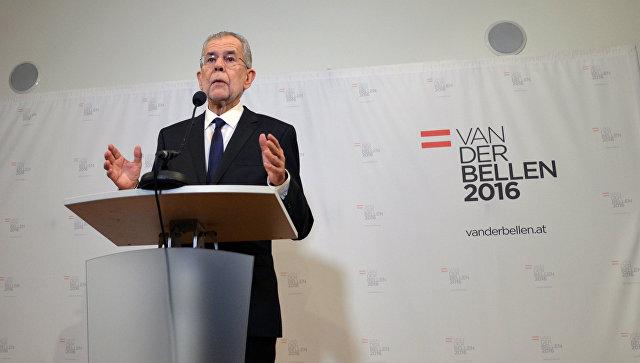 Меркель поздравила Ван дер Беллена сизбранием президентом Австрии