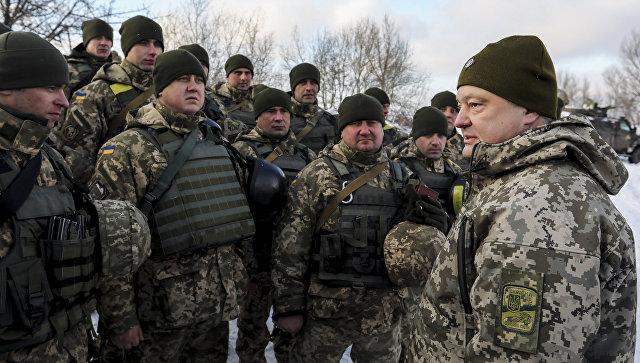 Порошенко призвал возобновить работу специальных военных судов