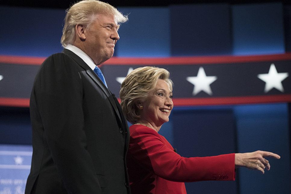 Дональд Трамп и Хиллари Клинтон во время первых президентских дебатов