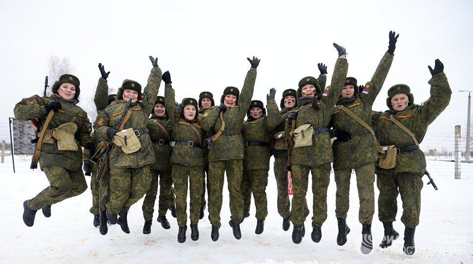 Конкурс для женщин-военнослужащих Макияж под камуфляж в учебном центре РВСН в Переславле-Залесском