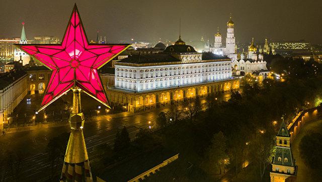 Звезда на Водовзводной башне Московского Кремля. Архивное фото