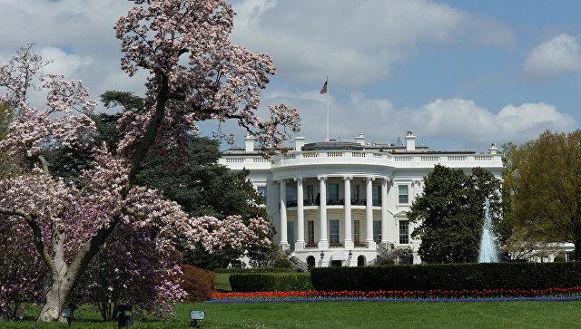 Трамп назвал «смехотворным» решение судьи оприостановке миграционного указа