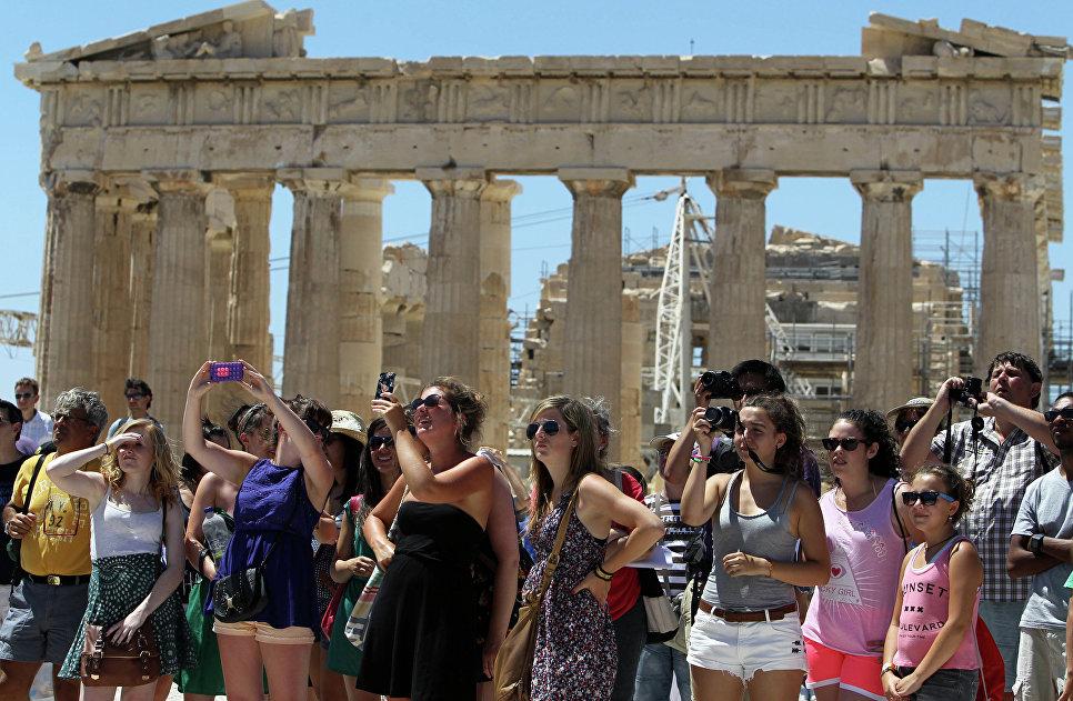 Туристы в Акрополисе. Афины