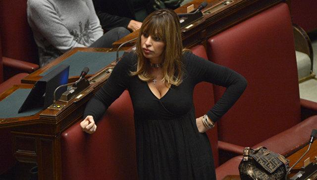Внучка Бенито Муссолини стала членом фракции Европейской народной партии вЕП