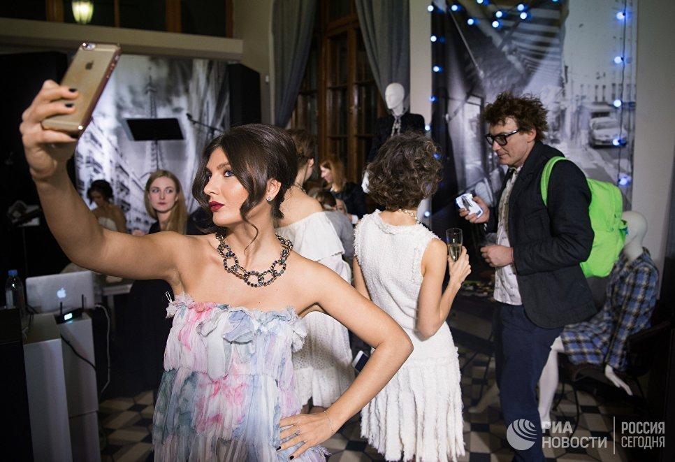 Гости на открытии выставки I love Chanel. Частные коллекции
